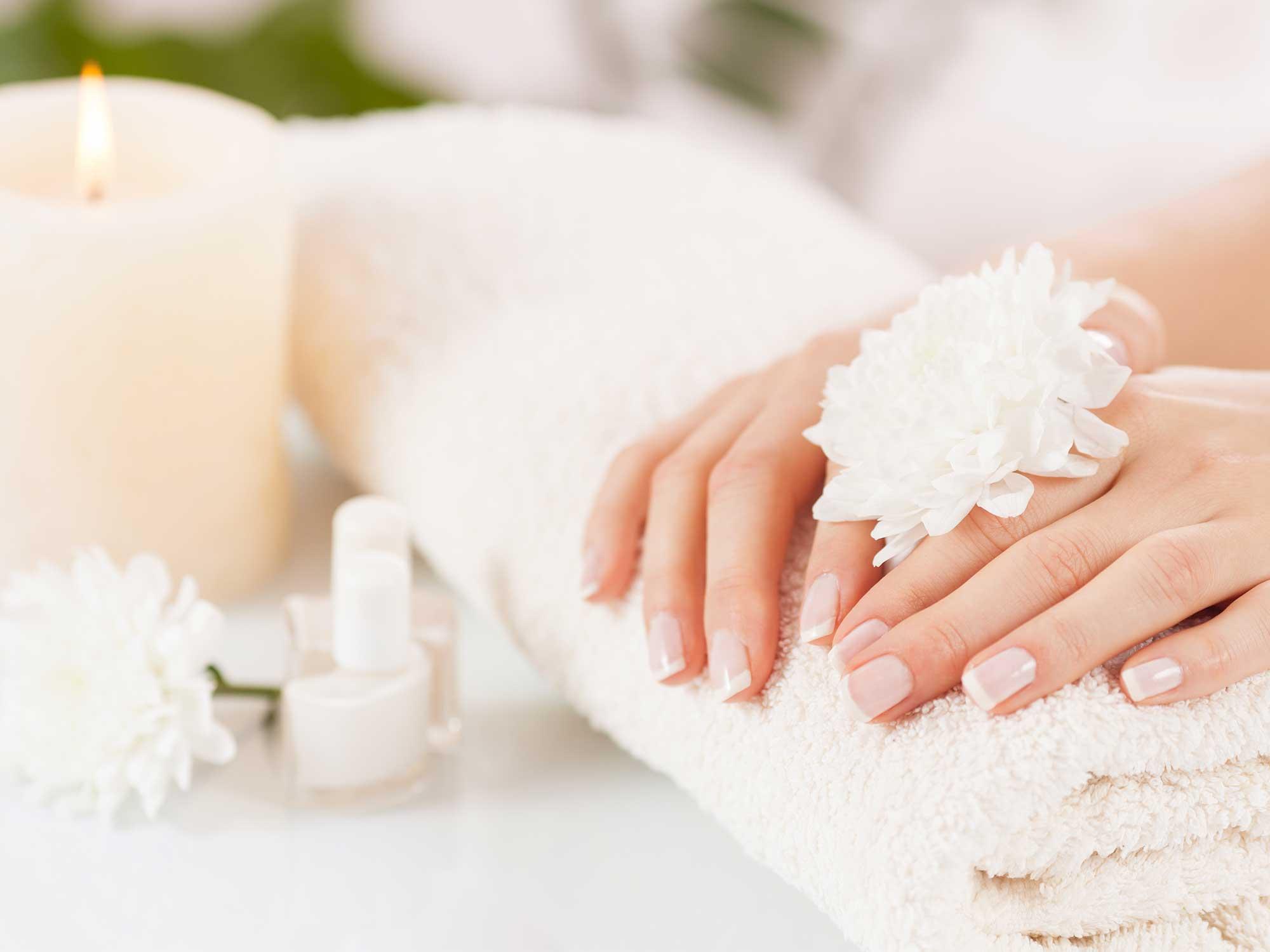 Manicure kombinowany – nowy trend malowania paznokci