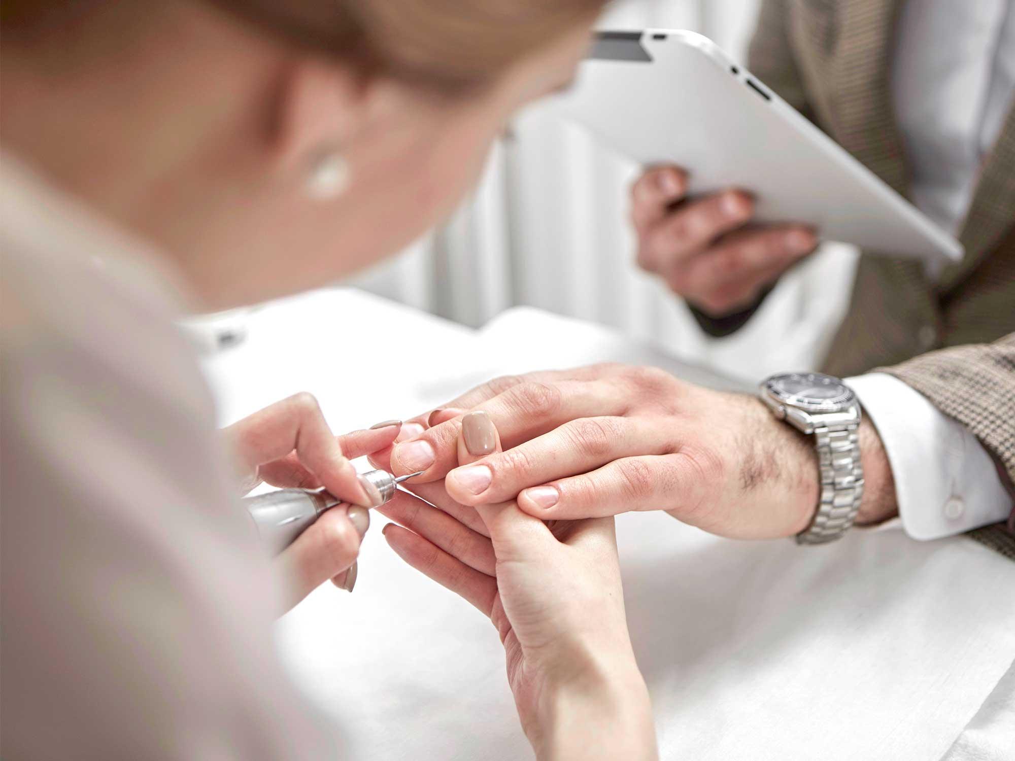 Manicure męski – oferta skrojona na miarę